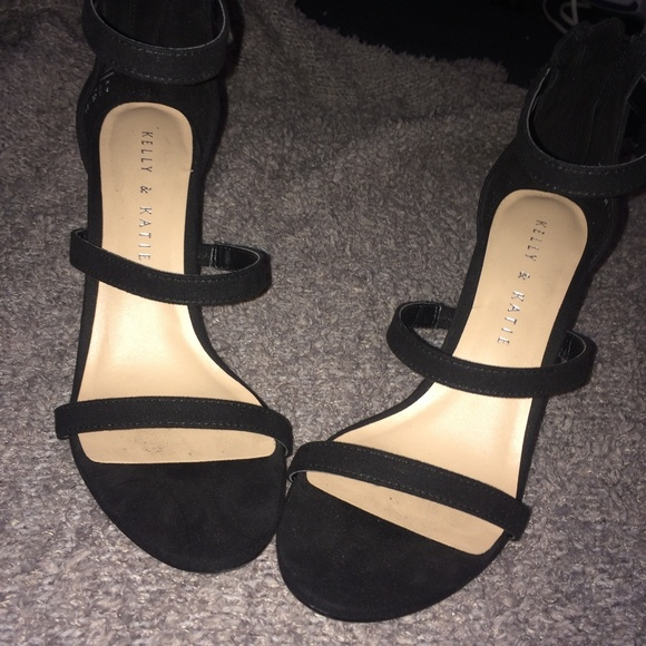 ffaa92594 Kelly   Katie Shoes - Katie   Kelly COURTNEE SANDAL triple strap heels